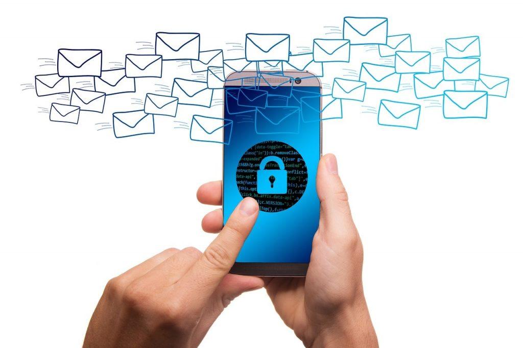 「ハッキングされてます」って言いながら全然当て外れのパスワードが書かれてる釣りメール